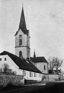 Kostel Sv. Ondřeje byl vysvěcen 30. listopadu 1267. Tato událost je také první písemnou zmínkou o obci.